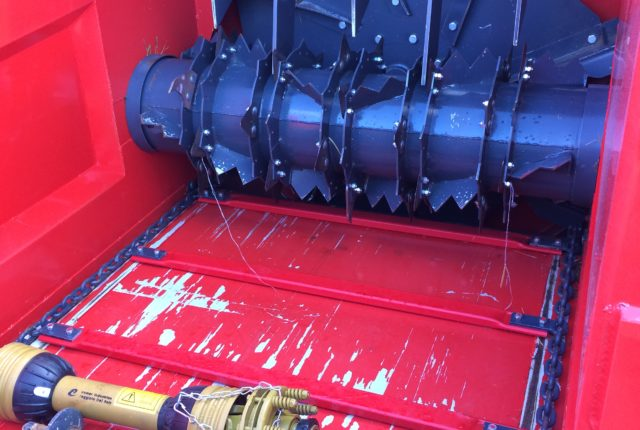 Pailleuse distributrice - intérieur de caisse