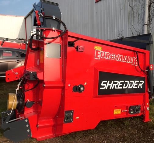 Broyeuse de paille SHREDDER avec double commandes de profil